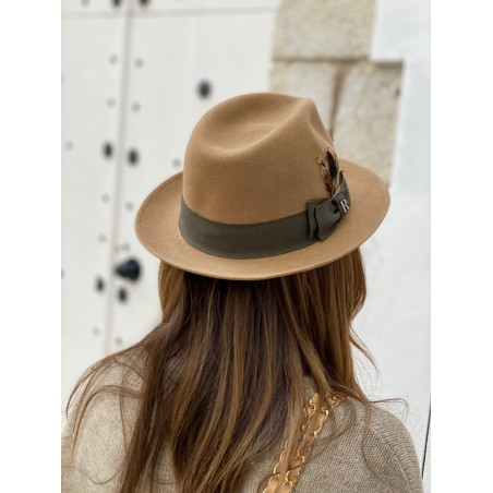 Short Wing Mission Beige Hat for Woman