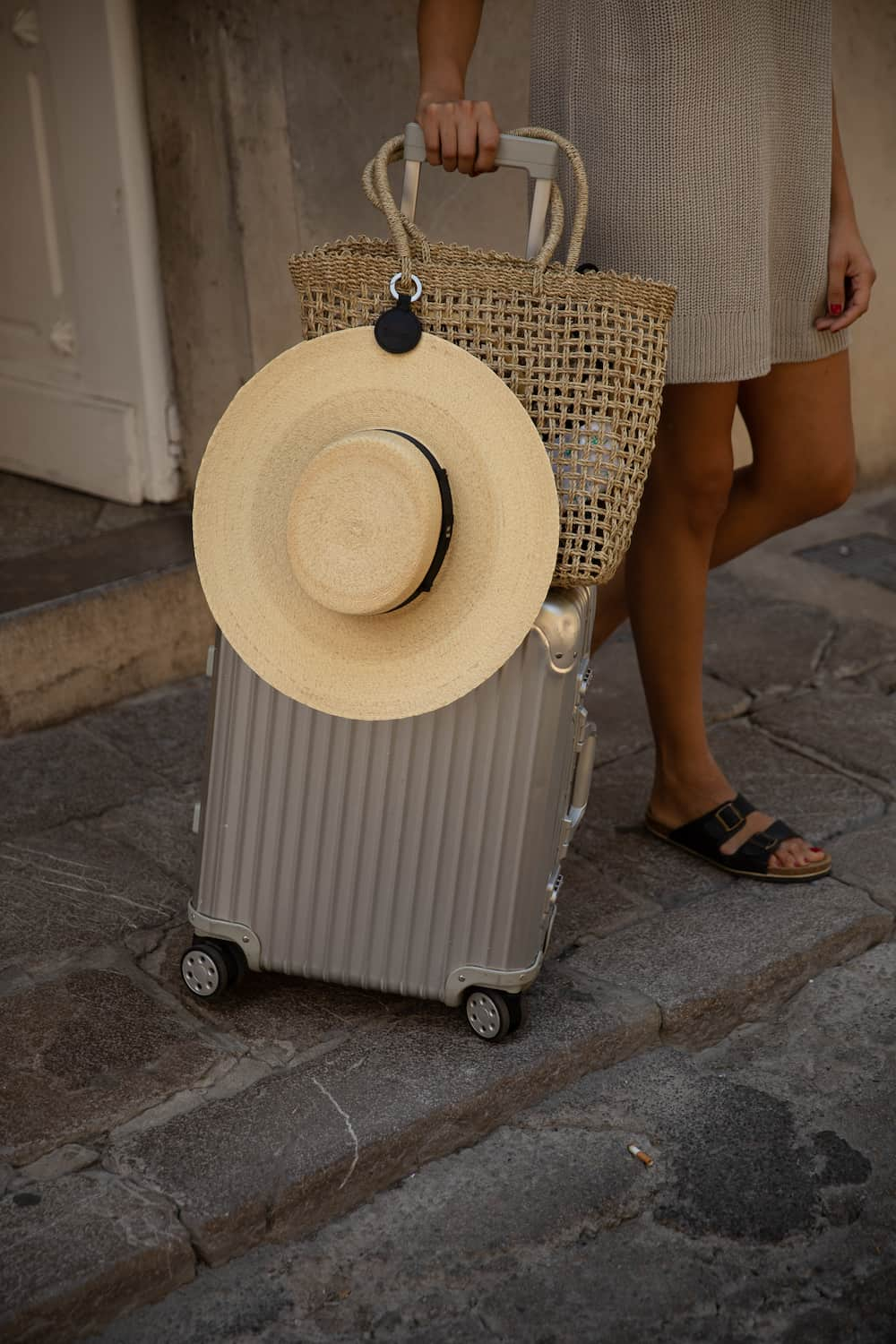 traveling with hat holder