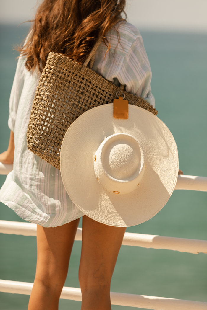 Hat Holder traveling with Hat
